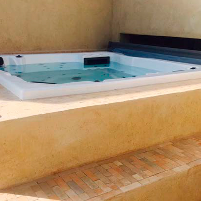 jacuzzi-spa-in-rh3612