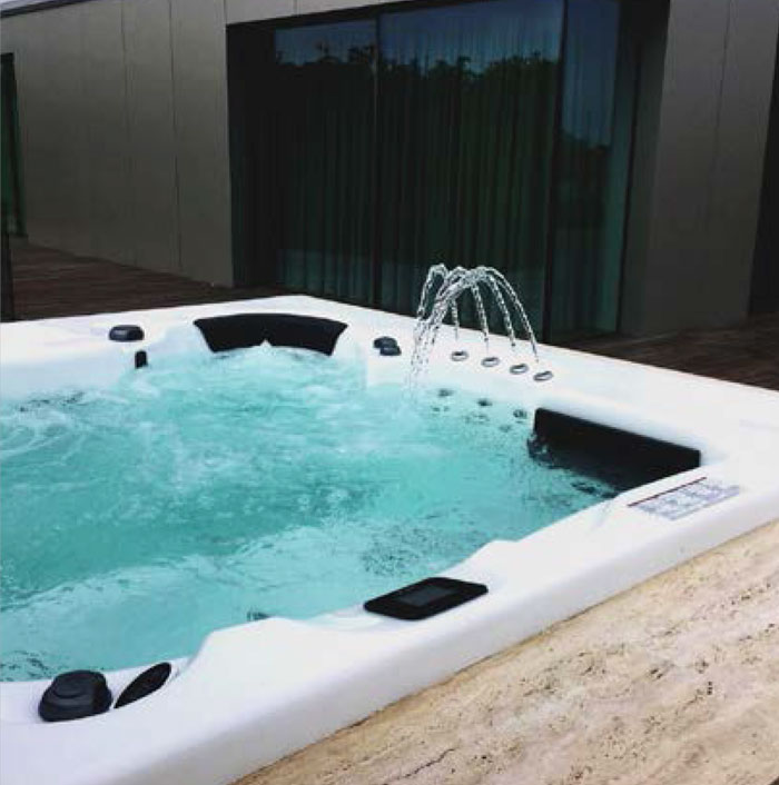 jacuzzi-spa-in-rh3614